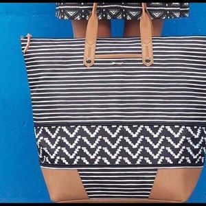 Stella & Dot Bags - NIB Stella & Dot Getaway - Black/Cream stripe